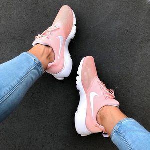 NWT Nike Presto fly